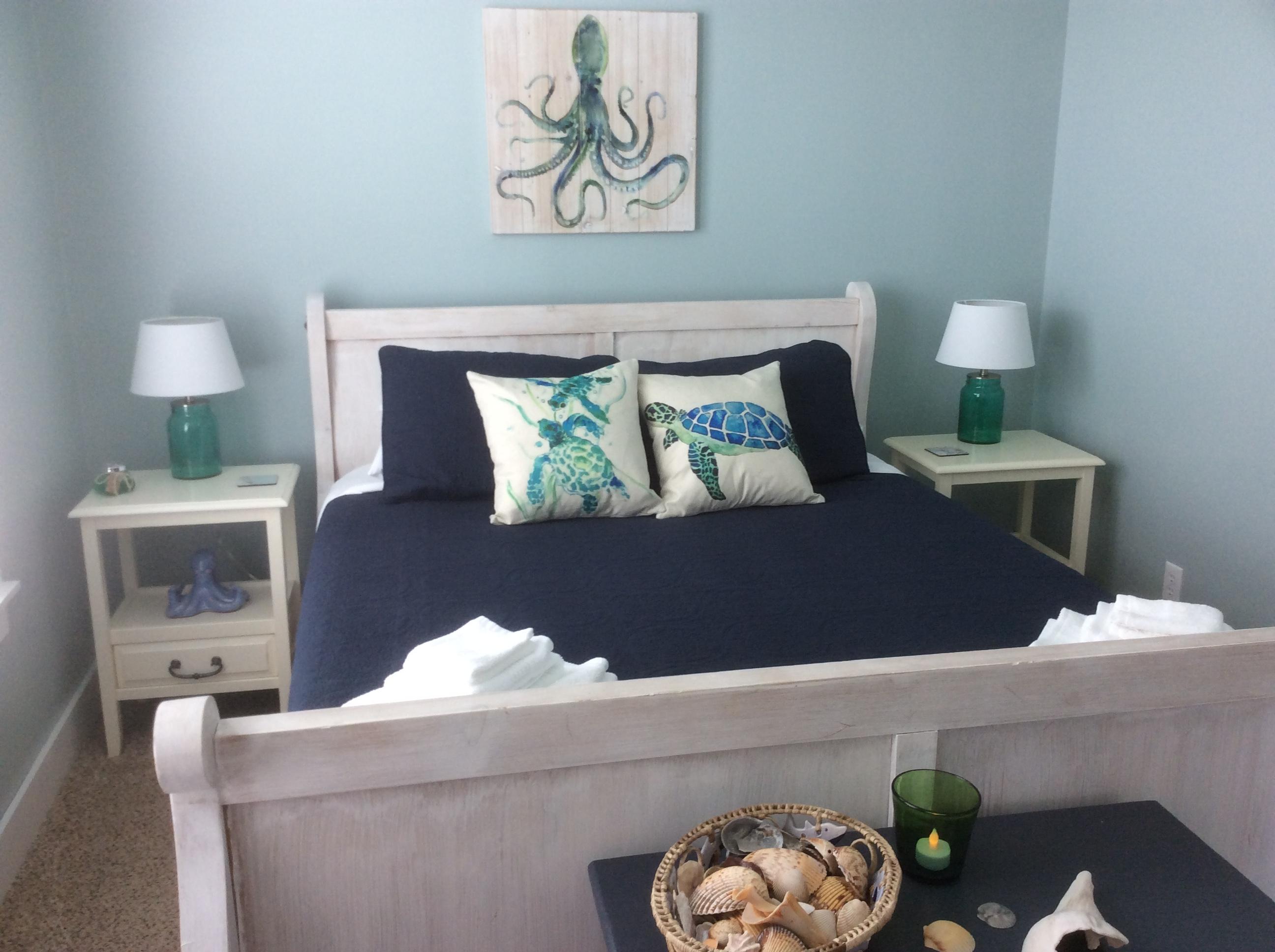 West queen bedroom